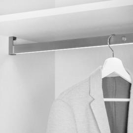 Barra para armario con luz LED, regulable 1.008-1.158 mm, batería extraible, sensor de movimiento, Luz Blanca natural, Aluminio,